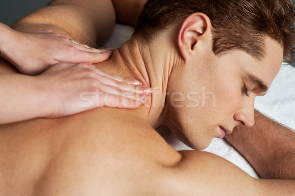Jeune homme spa massage élégant Guy Photo stock © stockyimages