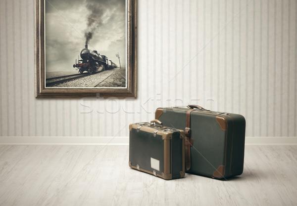 Utazás vonat bőröndök egyedül vasútállomás füst Stock fotó © stokkete