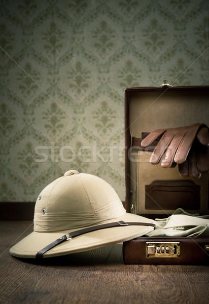 Explorador viaje abierto cuero maletín Foto stock © stokkete
