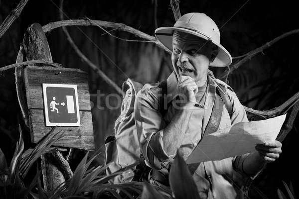Exit sign Wildnis überrascht explorer halten Karte Stock foto © stokkete