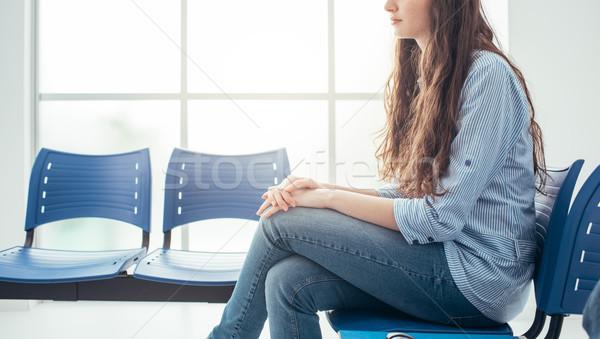 Genç kadın bekleme odası bekleme görüşme kadın eğitim Stok fotoğraf © stokkete