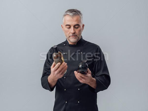 Stock fotó: Szakács · választ · borosüveg · profi · bor · szakértő