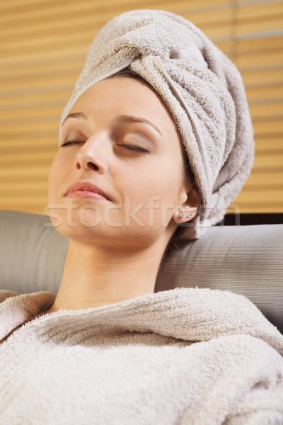 Megnyugtató fürdő nő fürdőköpeny csukott szemmel bőr Stock fotó © stokkete