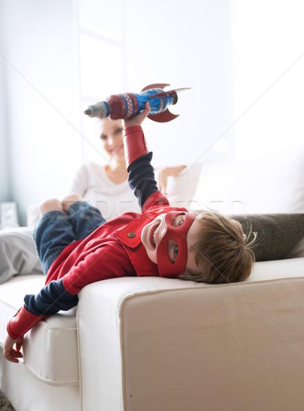 Spelen raket cute jongen betalen Stockfoto © stokkete
