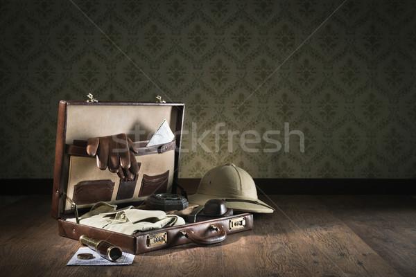Valigia open pelle avventuriero vintage Foto d'archivio © stokkete