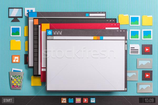 Multiple fenêtres ordinateur interface demande Photo stock © stokkete