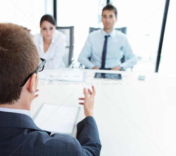 Entretien d'embauche deux gens d'affaires jeune homme femme réunion Photo stock © stokkete