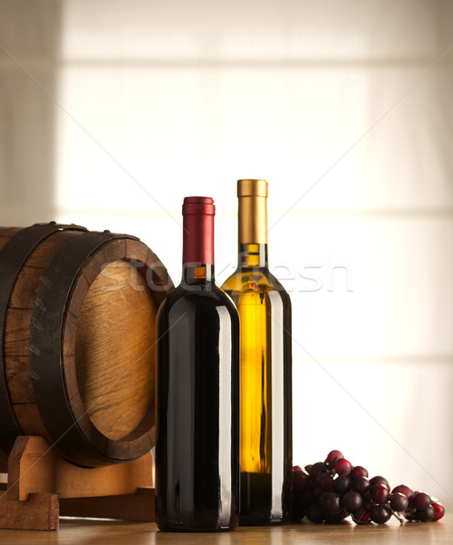 Foto stock: Vino · barril · uvas · rojo · vino · blanco · ventana