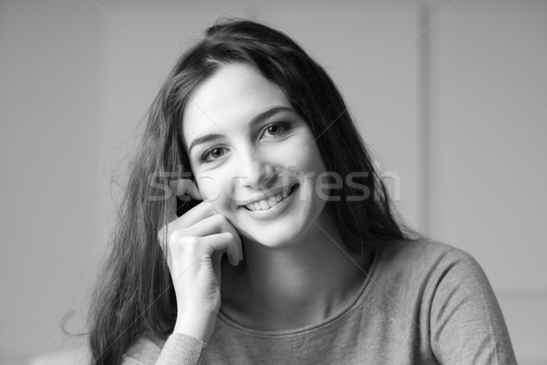 Stock foto: Porträt · lächelnd · schöne · Mädchen · posiert · schauen