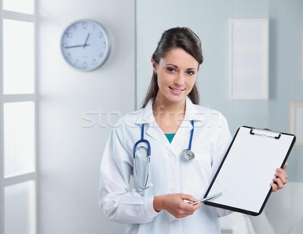 Foto stock: Médico · profissional · mulher · médico · indicação · clipboard