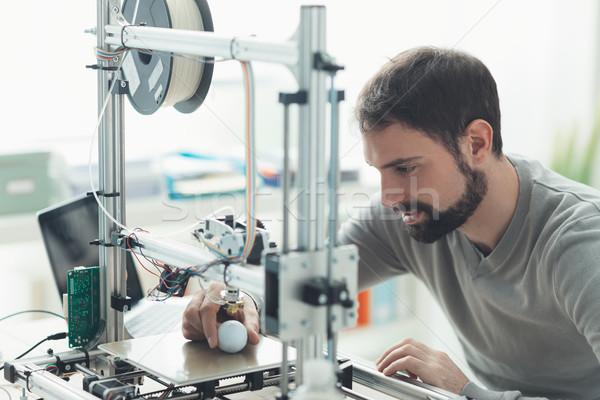 3D impressão laboratório jovem estilista engenheiro Foto stock © stokkete