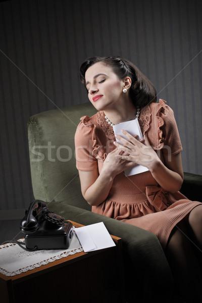 Kobieta miłości walentynki młoda kobieta list papieru Zdjęcia stock © stokkete