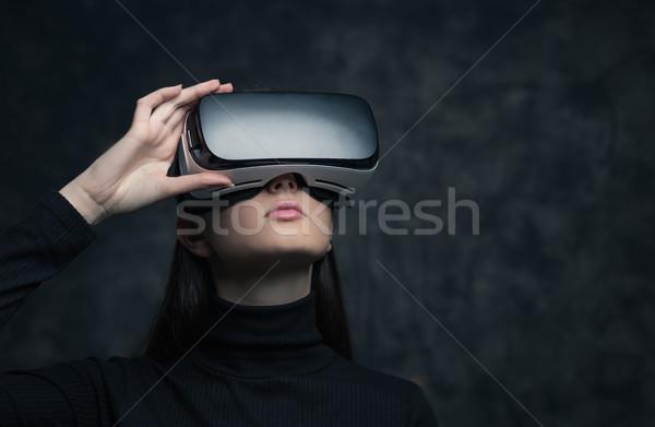 виртуальный реальность гарнитура молодые красивая женщина Сток-фото © stokkete