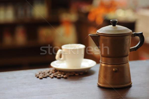 старые кофеварка деревянный стол чашку кофе тепло Италия Сток-фото © stokkete