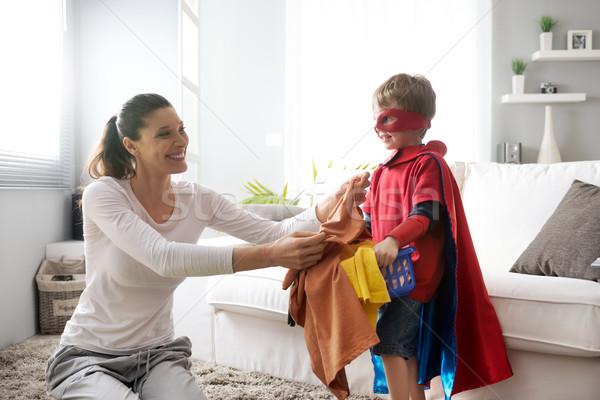 Stockfoto: Weinig · helpen · moeder · jongen · wasserij