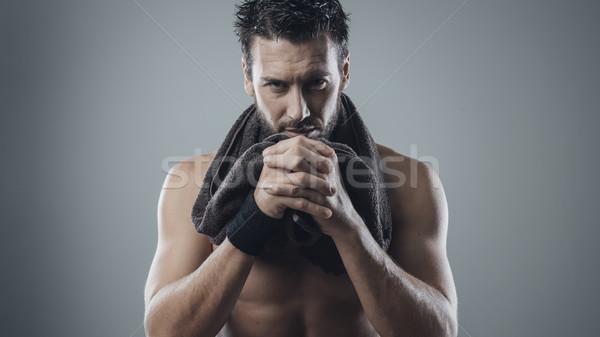 Serin adam poz havlu kas Stok fotoğraf © stokkete