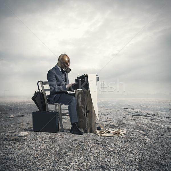 üzlet visel gázmaszk ír öreg írógép Stock fotó © stokkete
