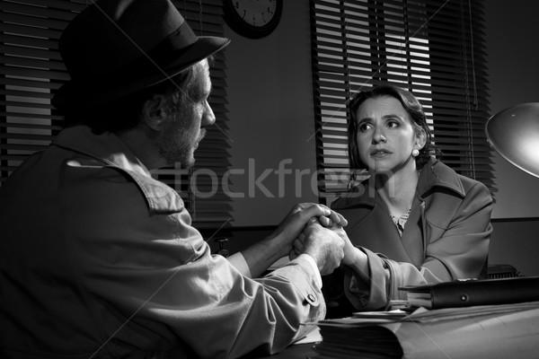 Jóképű nyomozó megnyugtató fiatal ijedt nő Stock fotó © stokkete