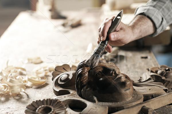 Handen ambachtsman timmerman vernis houten Stockfoto © stokkete