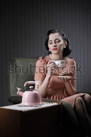 Nő visel vár telefon gyűrű divat Stock fotó © stokkete