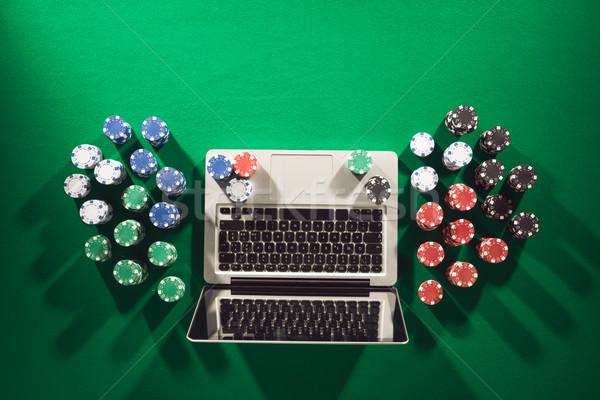 Póker kaszinó online számítógépes játékok laptop sültkrumpli Stock fotó © stokkete