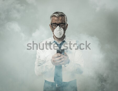 Homme pollution masque signe Photo stock © stokkete