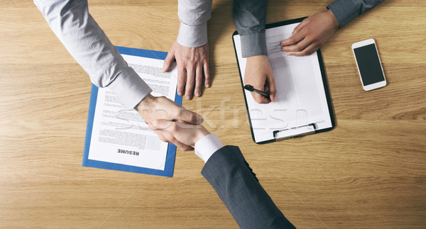 Affaires entretien d'embauche employeur handshake candidat Photo stock © stokkete