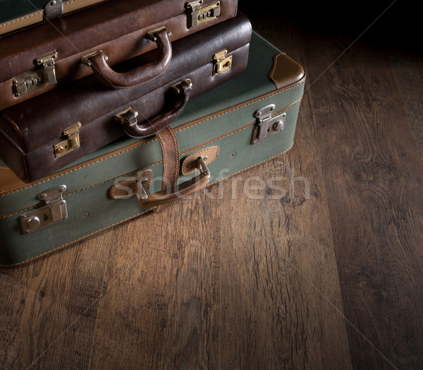 Stockfoto: Vintage · koffers · bagage · donkere