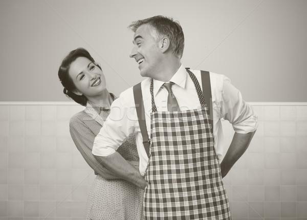 Vintage amorevole Coppia cucina famiglia help Foto d'archivio © stokkete
