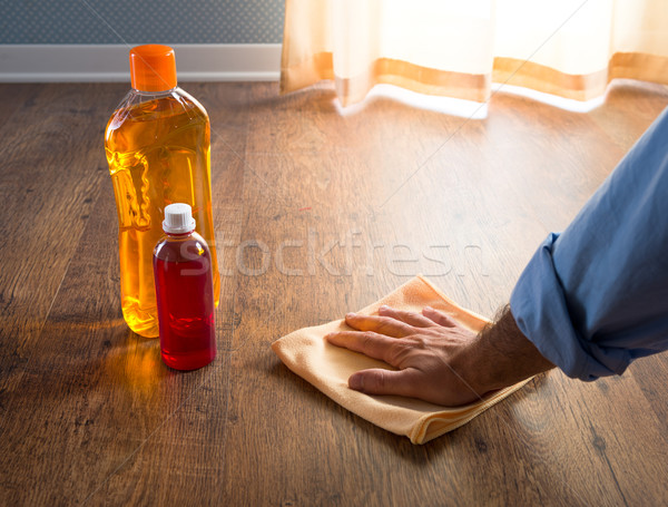 Fa férfi kéz jelentkezik törődés termékek Stock fotó © stokkete