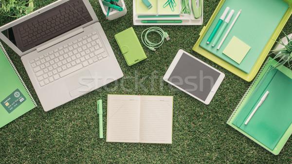 üzlet fenntarthatóság laptop irodaszerek fű szervező Stock fotó © stokkete
