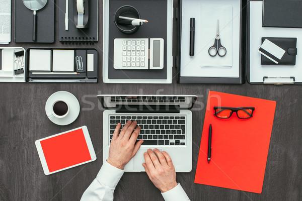 Stok fotoğraf: Kurumsal · iş · ofis · işadamı · çalışma