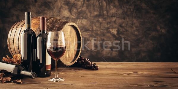 Tradicional cata de vinos copa de vino barril Foto stock © stokkete