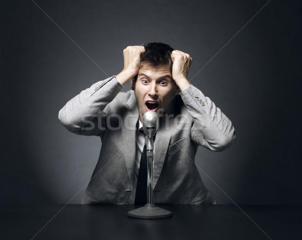 Плохие новости отчаянный работу микрофона Scream портрет Сток-фото © stokkete