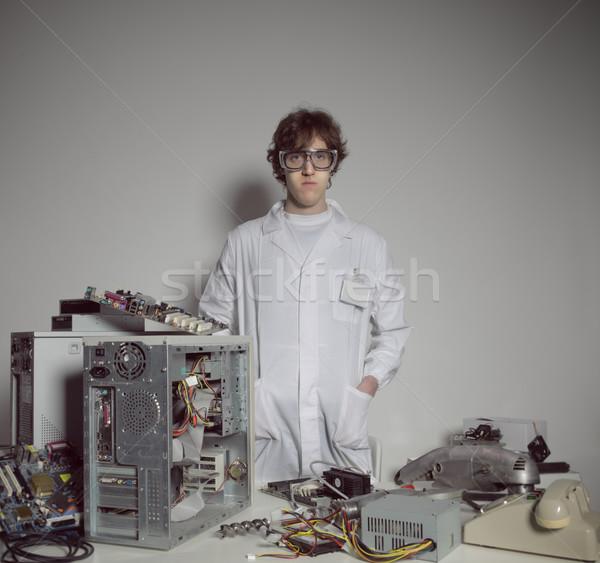 Ordenador técnico retrato destruido apoyo masculina Foto stock © stokkete