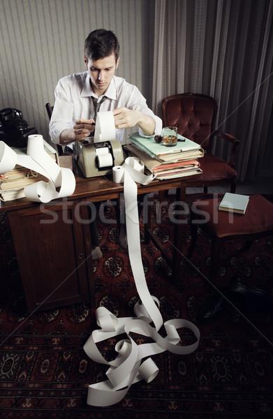 Adó férfi könyvelő jövedelem adózás papír Stock fotó © stokkete