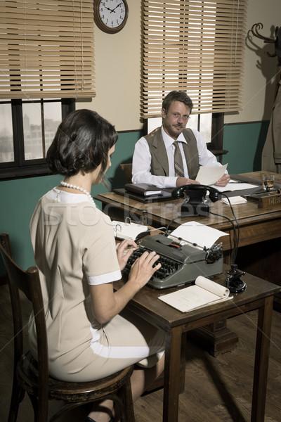 Direktor Sekretär Büro Papierkram jungen Stock foto © stokkete
