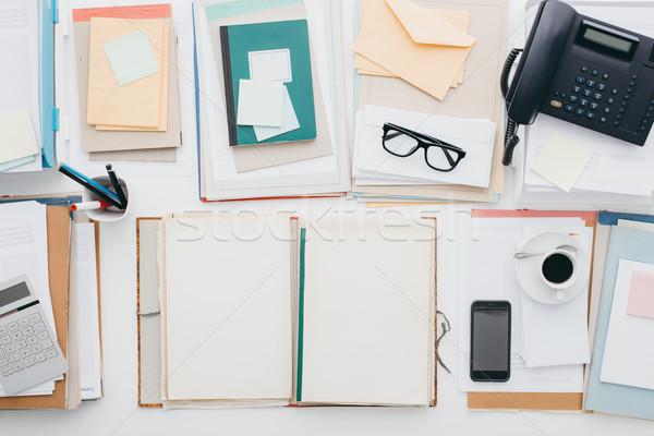 Business kantoor desktop vol papierwerk telefoon Stockfoto © stokkete