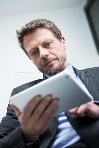ビジネスマン 作業 タブレット 魅力的な 触れる デジタル ストックフォト © stokkete
