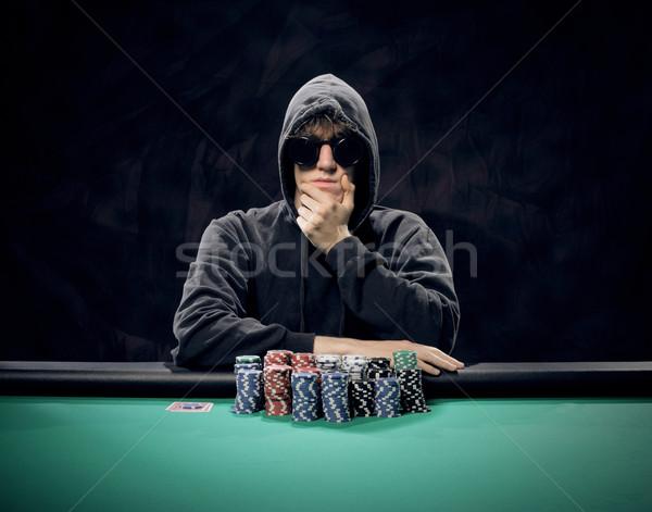 Szívós döntés portré profi póker játékos Stock fotó © stokkete