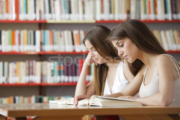 Concentración franco capturar par Universidad estudiantes Foto stock © stokkete