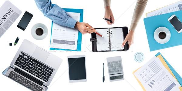 Zespół firmy powołanie poznania ludzi biuro ręce Zdjęcia stock © stokkete