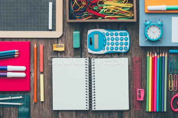 Stockfoto: Terug · naar · school · kleurrijk · potloden · schrijfbehoeften · school · bureau