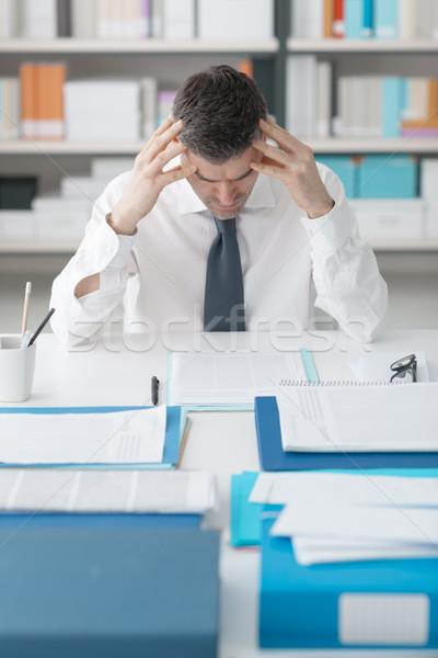 Stresujące pracy wyczerpany człowiek pracy Zdjęcia stock © stokkete
