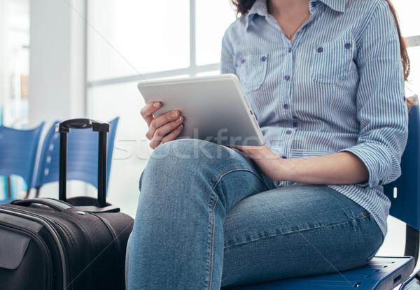 女性 待合室 小さな 旅人 座って ストックフォト © stokkete