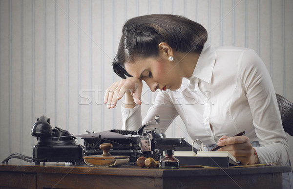 Stockfoto: Zakenvrouw · depressief · vrouw · vergadering · bureau