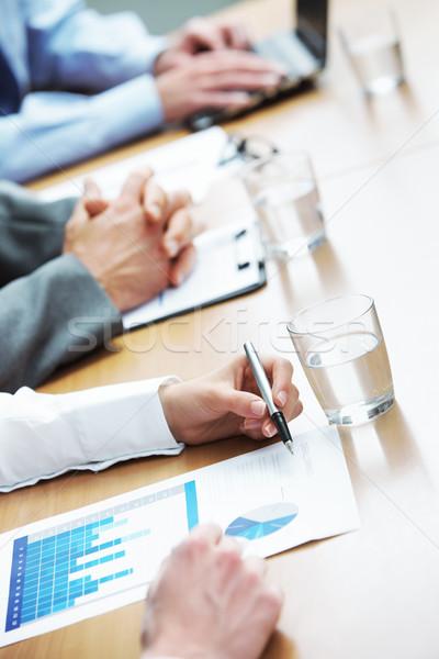 Stok fotoğraf: Iş · toplantısı · eller · iş · adamları · iş · toplantı