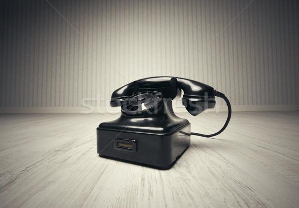 öreg telefon fapadló üzlet technológia kommunikáció Stock fotó © stokkete