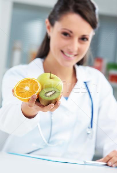 Foto stock: Dieta · alimentação · saudável · nutricionista · médico · frutas