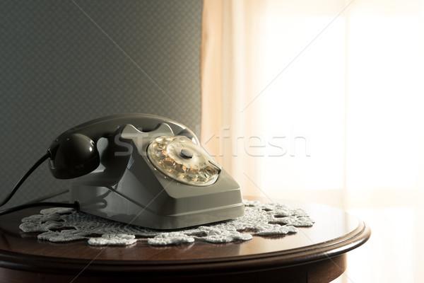 ヴィンテージ 電話 リビングルーム 電話 木製のテーブル 表 ストックフォト © stokkete